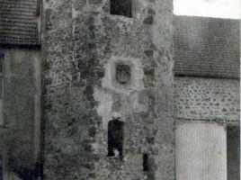 Donjon cylindrique de la Ferme de la Tour
