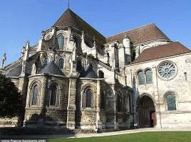 chevet-cathedrale-noyon