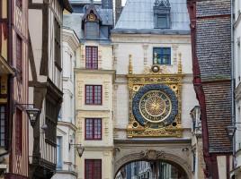Rouen_France_Gros-Horloge-02-1