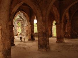 Vestiges de la grande mosquée de Kilwa Kisiwani (Tanzanie)