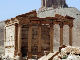 Roman_and_Islamic_ruins,_Palmyra_(Tadmor)_Syria_-_jamesdale10