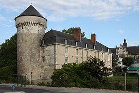 280px-tours_-_chateau