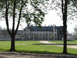 Vue-du-Château-depuis-lallée-Royale