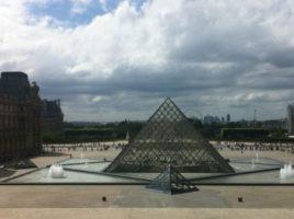 Le-Louvre-revolutionne-son-accueil